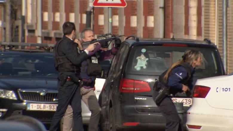 شاهد.. لحظة مداهمة الشرطة البلجيكية لمنزل مشتبه به يعتقد أنه على صلة بهجمات باريس
