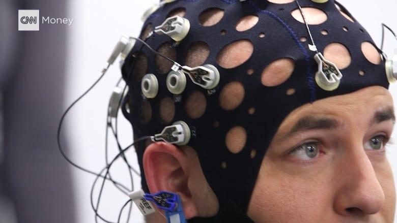 بالفيديو: إليك ما يحدث لخلايا الأعصاب في دماغك عندما تشاهد ترامب في التلفزيون