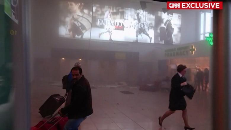 فيديو حصري.. لحظة وقوع الانفجار الثاني وحالة من الهلع والفوضى في مطار بروكسيل