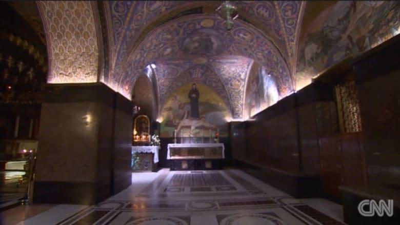 بالفيديو: مفتاح كنيسة القيامة تتوارثه عائلة مسلمة في القدس منذ أكثر من 8 قرون