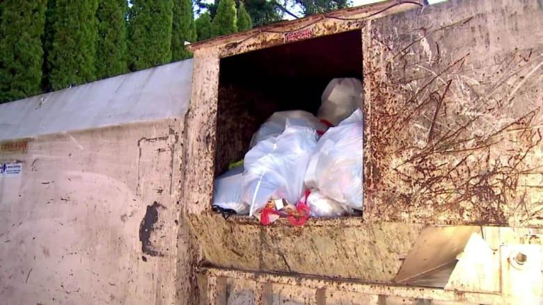 """اكتشاف طفل حديث الولادة في """"طاحنة النفايات"""" بواشنطن"""