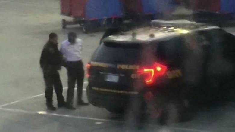 """إلقاء القبض على مساعد طيار قبل رحلة للخطوط الأمريكية بسبب """"نسبة الكحول"""" في دمه"""