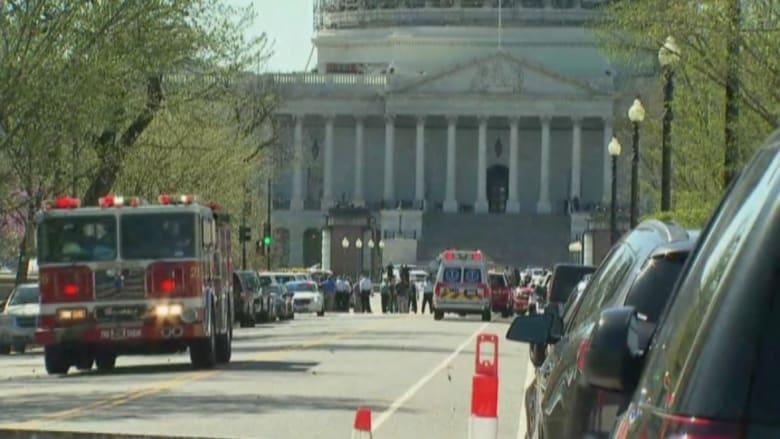 شاهد.. اللحظات الأولى بعد عملية إطلاق نار بمبنى الزوار في الكونغرس