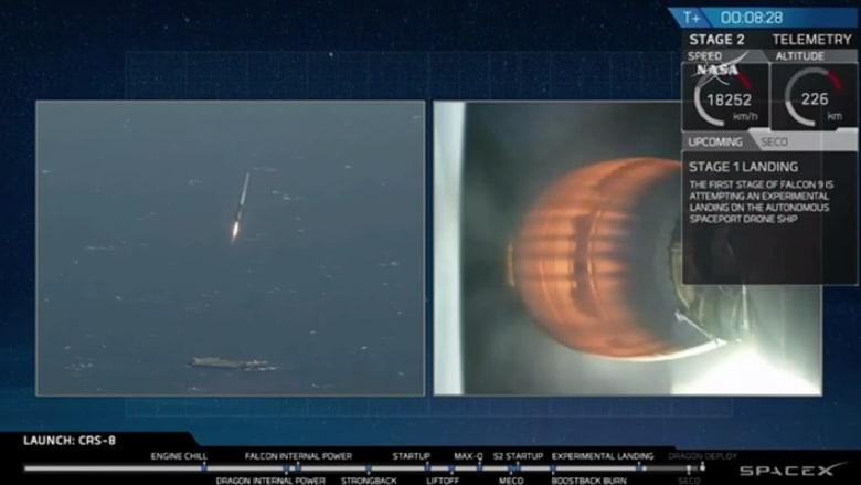 """بالفيديو: صاروخ """"فالكون 9"""" ينقل """"بيئة معيشية قابلة للتوسع"""" الى الفضاء.. وهبوط تاريخي بعد أربع محاولات فاشلة"""