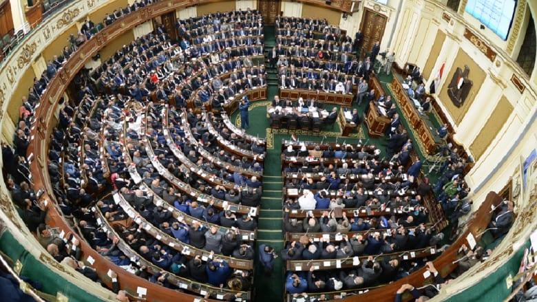 فهمي هويدي يكتب: أن تصبح النخبة أضعف حلقات المشهد السياسي في مصر