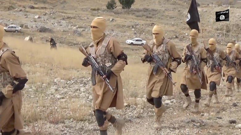 منشقون عن داعش بأفغانستان لـCNN: التنظيم يحب قطع الرؤوس والطائرات الأمريكية تقوم بعمل جيد ضدهم