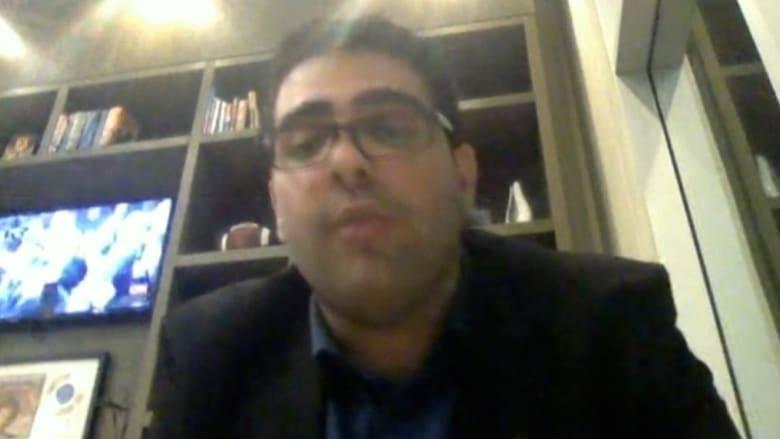 بالفيديو: طرد طالب مسلم من طائرة في كاليفورنيا لأنه تحدث باللغة العربية!
