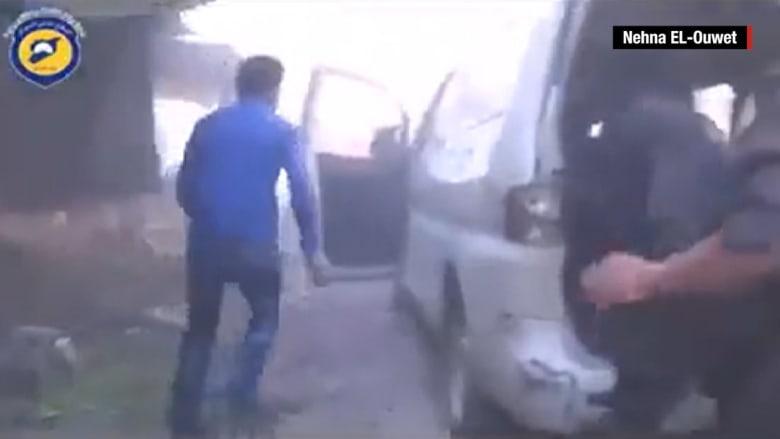 المرصد السوري: مقتل 13 شخصا وإصابة 22 آخرين في غارة جوية لنظام الأسد