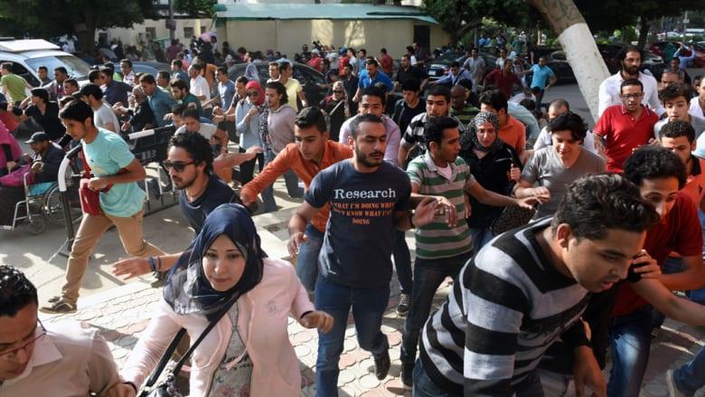 بالصور.. الاشتباكات بين الأمن والمتظاهرين بمصر بذكرى تحرير سيناء.. والبرادعي: المستقبل ليس للقمع ولن يكون