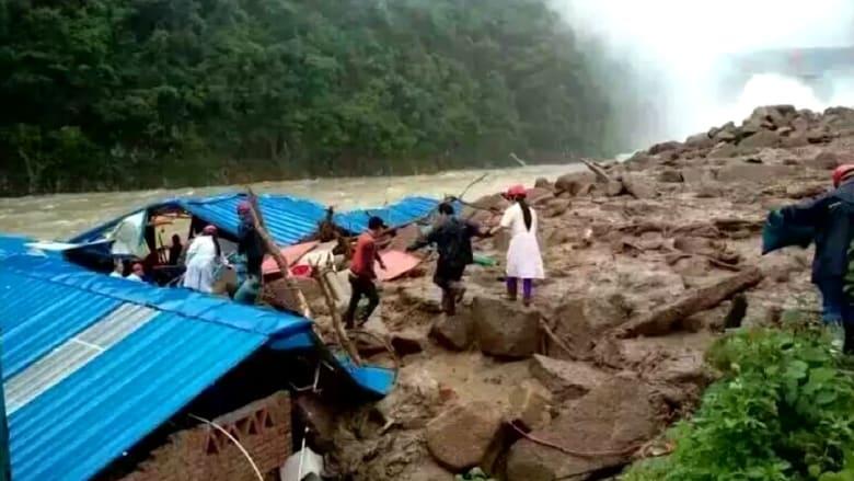 بالفيديو: فقدان 35 شخصاً في انهيارات أرضية بالصين