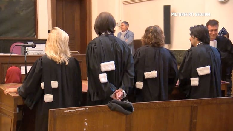 بالفيديو: أفراد شبكة تجنيد للجهاديين في بلجيكا يخرجون أحراراً بعد محاكمتهم