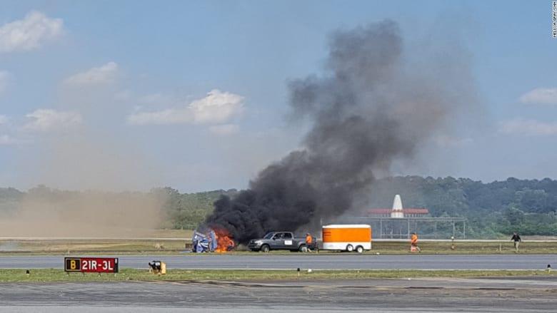 شاهد لحظة تحطم طائرة إثر مناورة فاشلة قتلت الطيار