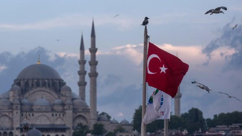 الرئيس الأسبق لاستخبارات بريطانيا الخارجية يحذر من إعفاء تركيا من التأشيرة لأوروبا: أشبه بتخزين الوقود بجانب النار