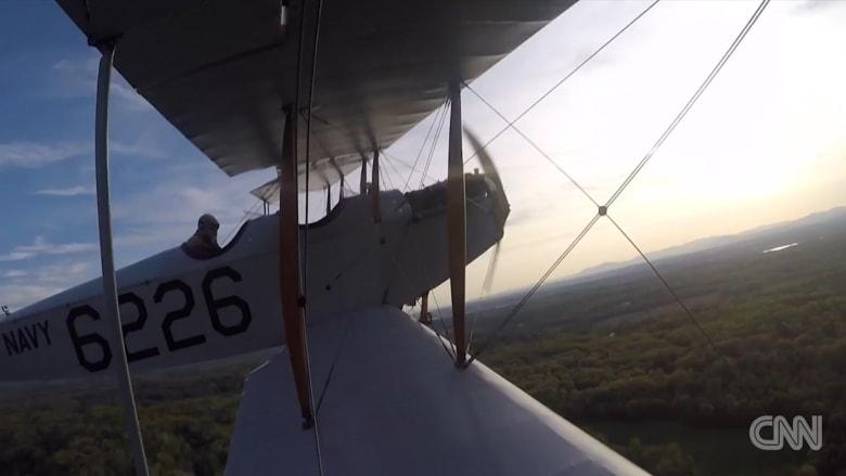 """تعرف إلى الطائرة """"جيني"""".. عمرها 100 عام وما زالت تحلق في الهواء"""
