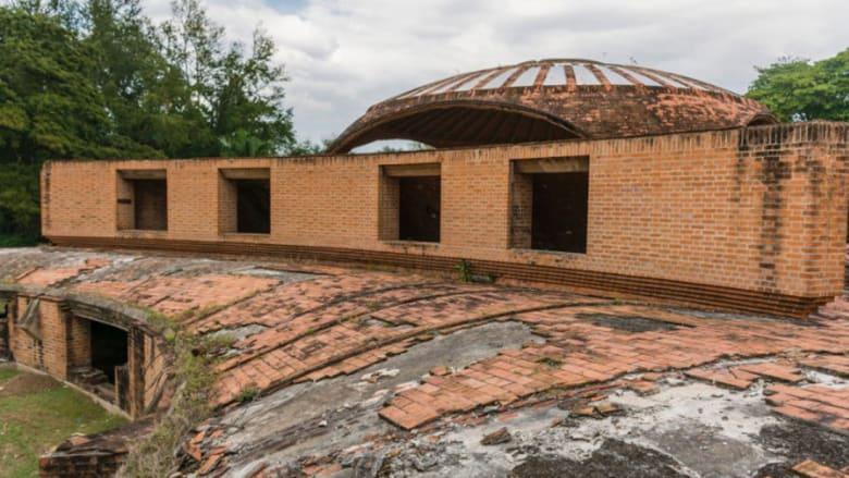 """مدارس كوبا الفنية المنسية.. مبان خلابة """"تآكلت"""" مع الزمن"""