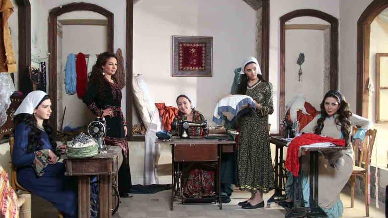 من داخل ورشة الخياطة التي أنشأتها سارة، الزوجة الثانية لمعتز.