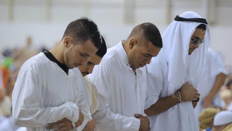 بلدة فرنسية تُعلن: لا نقاب في رمضان.. وعلى الصائمين ألّا يحدثوا ضجيجًا!