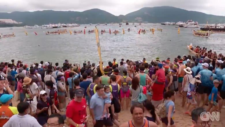 """شاهد.. ما هو مهرجان """"قارب التنين"""" بهونغ كونغ"""
