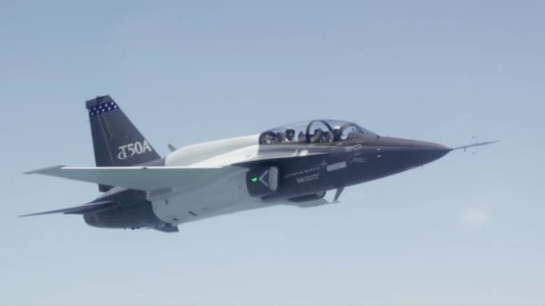 شاهد.. أول تحليق لطائرة T50A من إنتاج لوكهيد مارتن