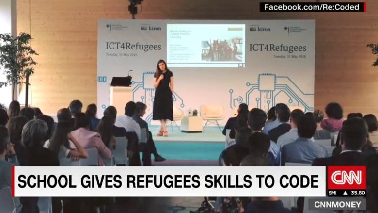 تعليم مهارات تكنولوجية لدمج اللاجئين في أسواق العمل