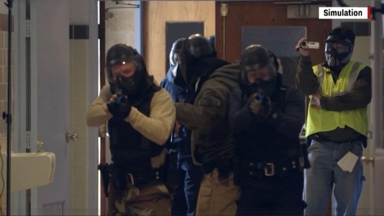كيف يتم تدريب الشرطة على مواجهة مطلقي النار؟
