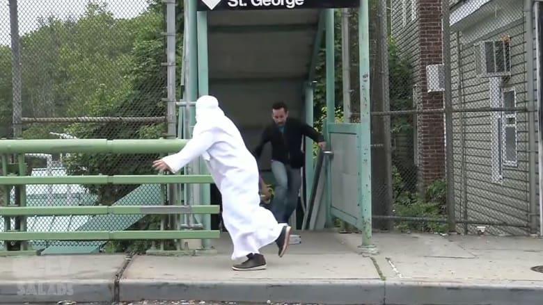 """بعد هجوم أورلاندو.. ضجة يثيرها فيديو ساخر يقارن """"الإرهاب الإسلامي بالإرهاب المسيحي"""" وناشره: سأكون الضحية التالية"""