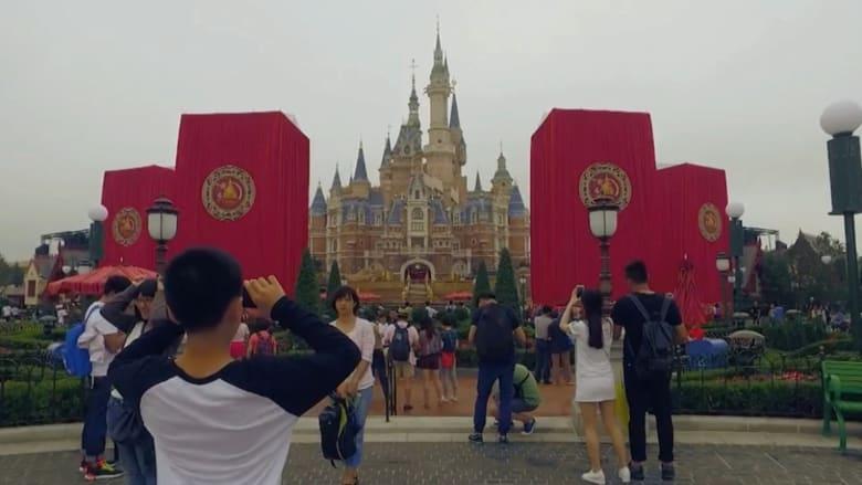 """ألقِ نظرة على أضخم وأحدث متنزه لـ""""ديزني لاند"""".. في شانغهاي"""