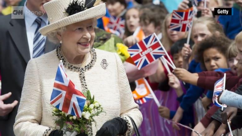 بالفيديو: هل تعرف كم تبلغ ثروة ملكة بريطانيا؟