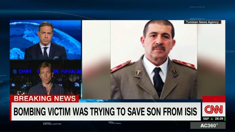 بالفيديو: في محاولة لإنقاذ ابنه من داعش.. أصبح هذا الرجل ضحية هجوم مطار اسطنبول