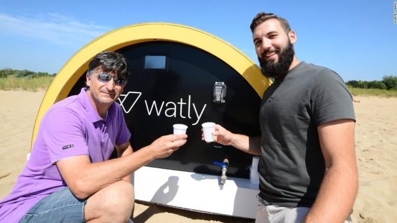 """""""واتلي"""".. كمبيوتر يوفر المياه والطاقة والإنترنت بأشعة الشمس فقط"""