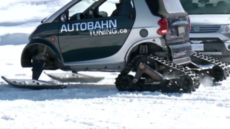"""بالفيديو: ميكانيكي كندي يعدل سيارة """"سمارت"""" للتزلج على الثلوج"""