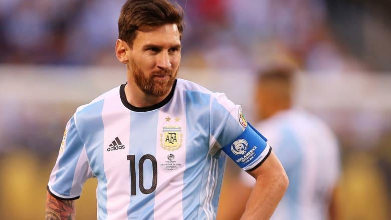 أرجنتينيون يؤيدون الحكم على ميسي: يجب عليه الدفع إما بالمال أو بالسجن