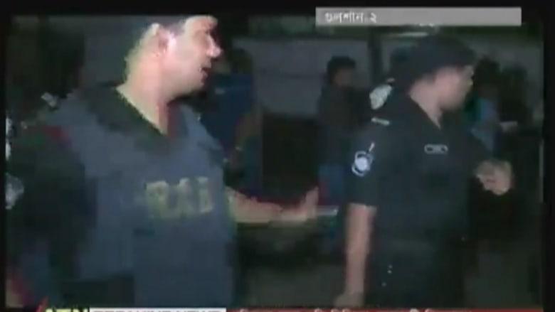 بالفيديو: إطلاق نار وقنابل يدوية واحتجاز رهائن داخل مطعم في الحي الدبلوماسي بعاصمة بنغلاديش