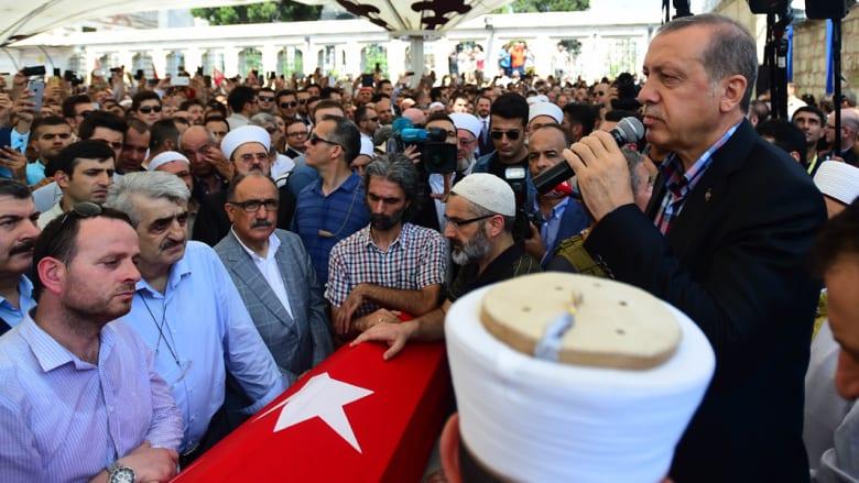 أردوغان: لا يمكن تأخير عقوبة الإعدام على من شاركوا في الانقلاب.. والجيش: نحن رهن إشارة الدولة والشعب