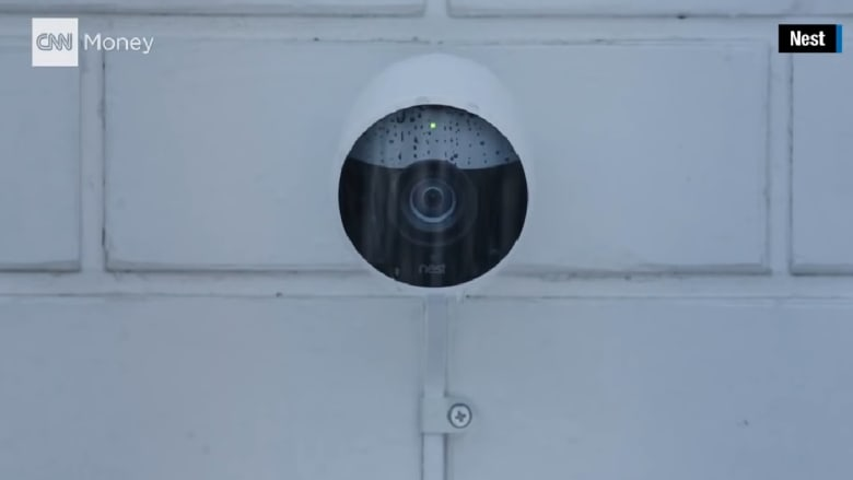 شاهد.. كاميرا للمراقبة تميز بين الناس والحيوانات