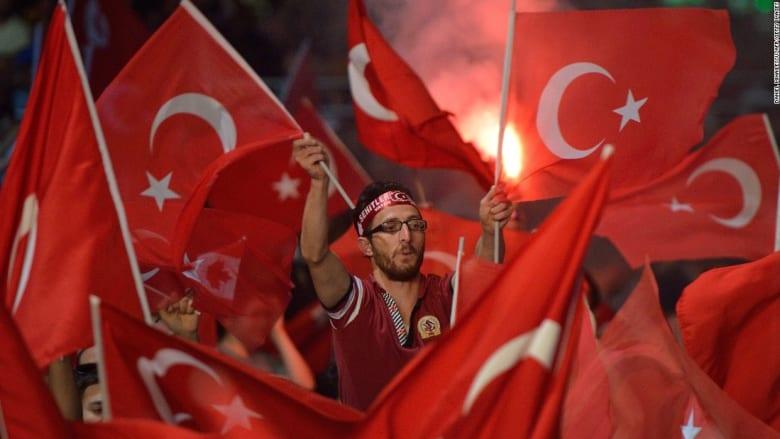بالفيديو: كيف أصبحت شعبية أردوغان بعد أسبوع على محاولة الانقلاب العسكري؟
