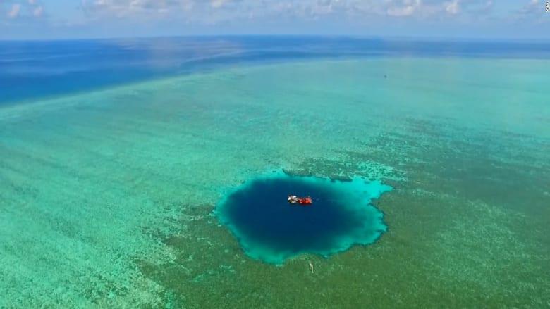 """""""حفرة التنين"""".. اكتشاف أعمق ثقب أزرق في العالم"""