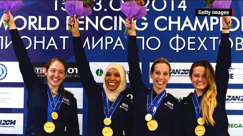 بالفيديو: أول رياضية أمريكية مسلمة تشارك بالألعاب الأولمبية بحجابها