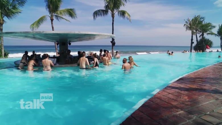 ترغب بزيارة جزيرة بالي؟ هذا الفندق سيعطيك تجربة إندونيسية متميزة