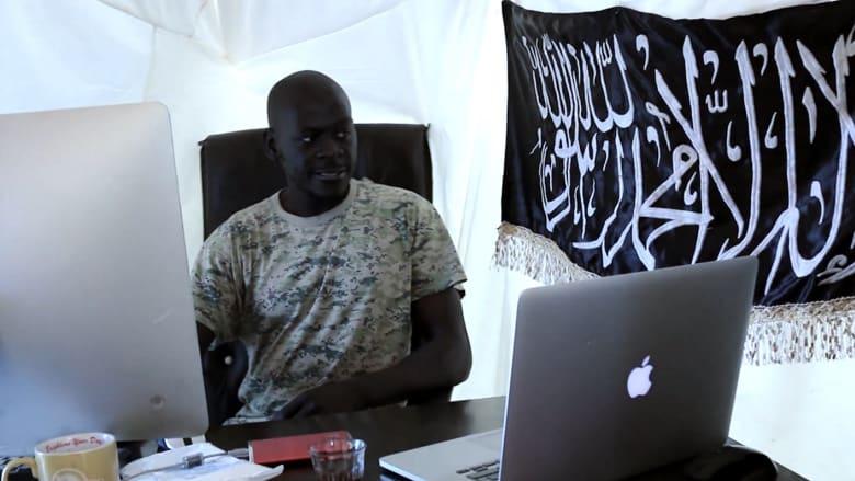 """عمر أومسين.. """"جهادي فرنسا الخارق"""" يسحر مقاتلي سوريا والعراق"""