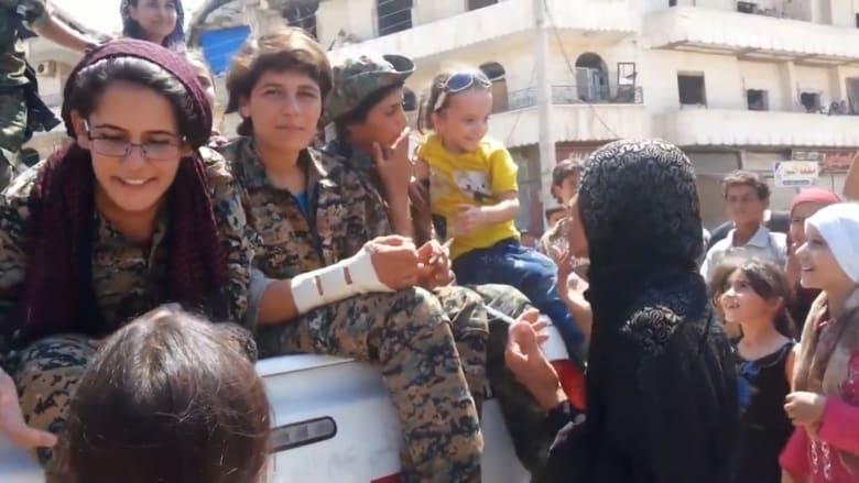 """أهالي منبج يحتفلون بتحريرهم من قبضة """"داعش"""""""