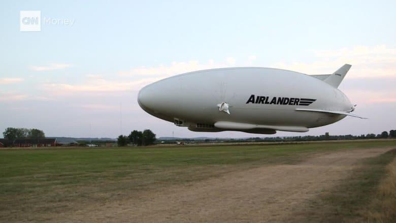 أكبر طائرة في العالم تُنهي أول رحلة تجريبية