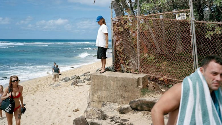 بعيداً عن الجنة الخضراء.. هذه الصور تكشف النقاب عن وجه جزيرة هاواي الحقيقي