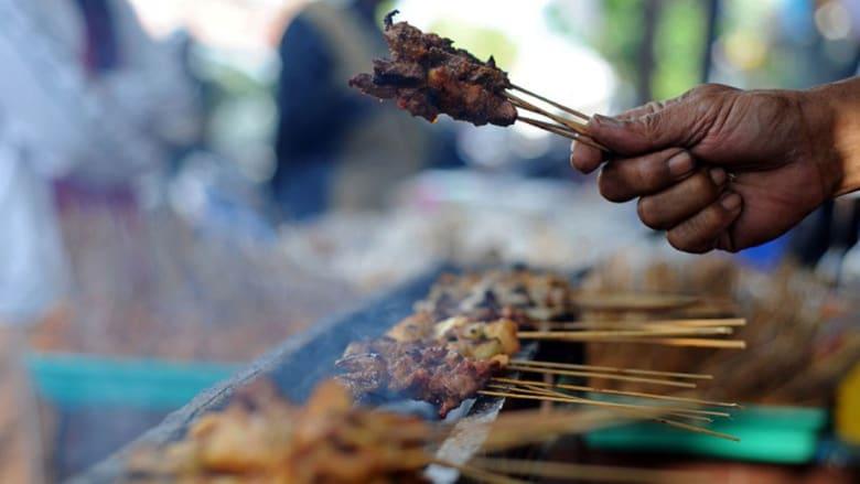 من القاهرة مروراً بمراكش ووصولاً إلى هاواي.. هنا ألذّ أطعمة الشوارع