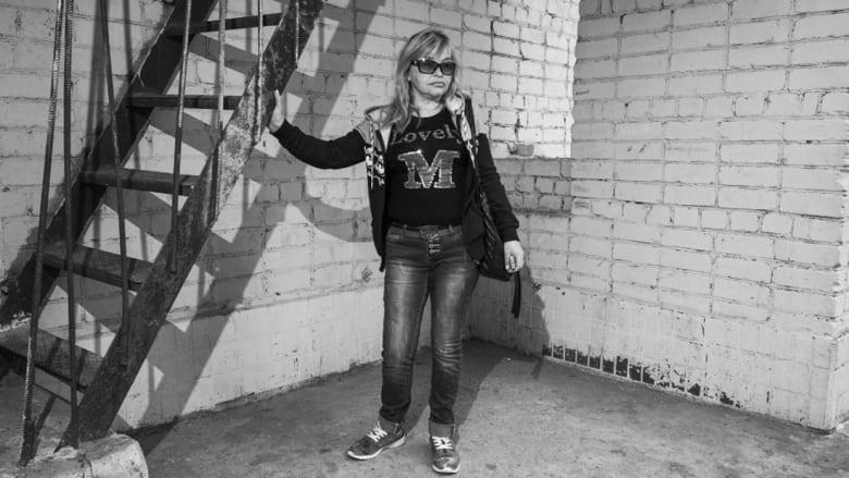 حقن ومخدرات وندبات.. على هامش هذا الوباء السري يعيش الكثير من سكان أوكرانيا
