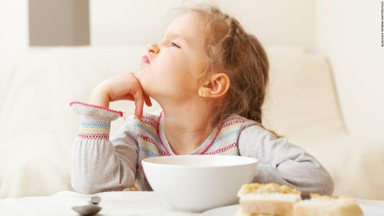 ما هي أفضل طريقة لمعاملة الأطفال عندما يرفضون تنفيذ الأوامر؟