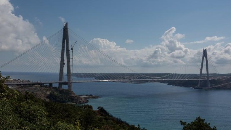 """افتتاح جسر """"السلطان ياووز سليم"""" بتركيا.. الأطول والأعرض"""