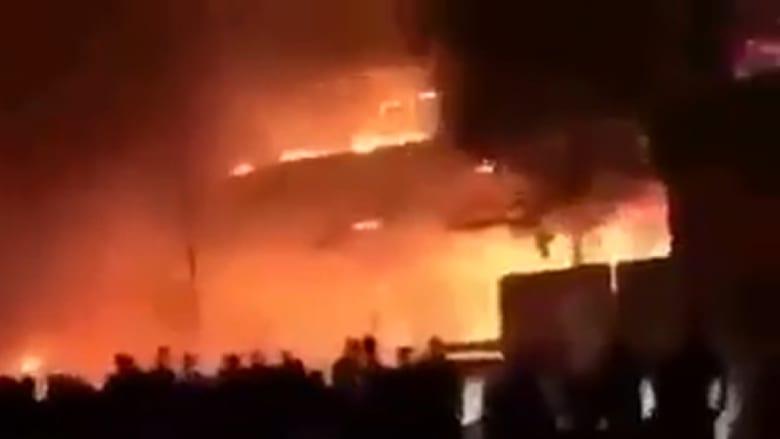 العراق: قتلى وجرحى إثر تفجير سيارة مفخخة بحي الكرادة.. وداعش يزعم المسؤولية