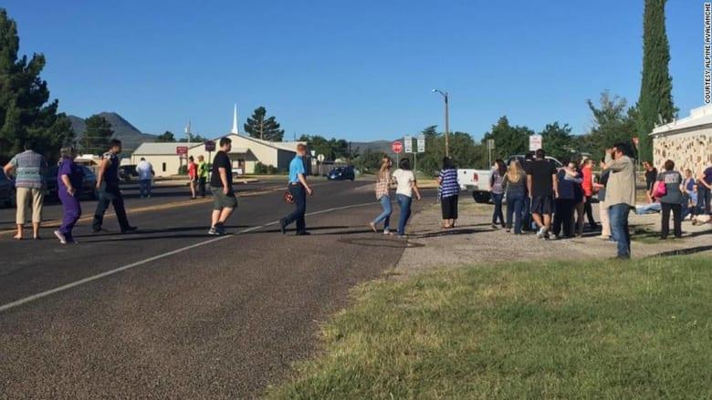 تلميذة أمريكية تقتل نفسها في مدرسة بتكساس.. وتتسبب في إصابة شخصين بينهما شرطي