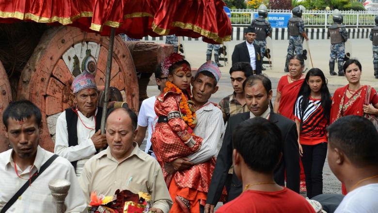 """آلهات النيبال..فتيات عذارى بمعايير """"فلكية"""""""